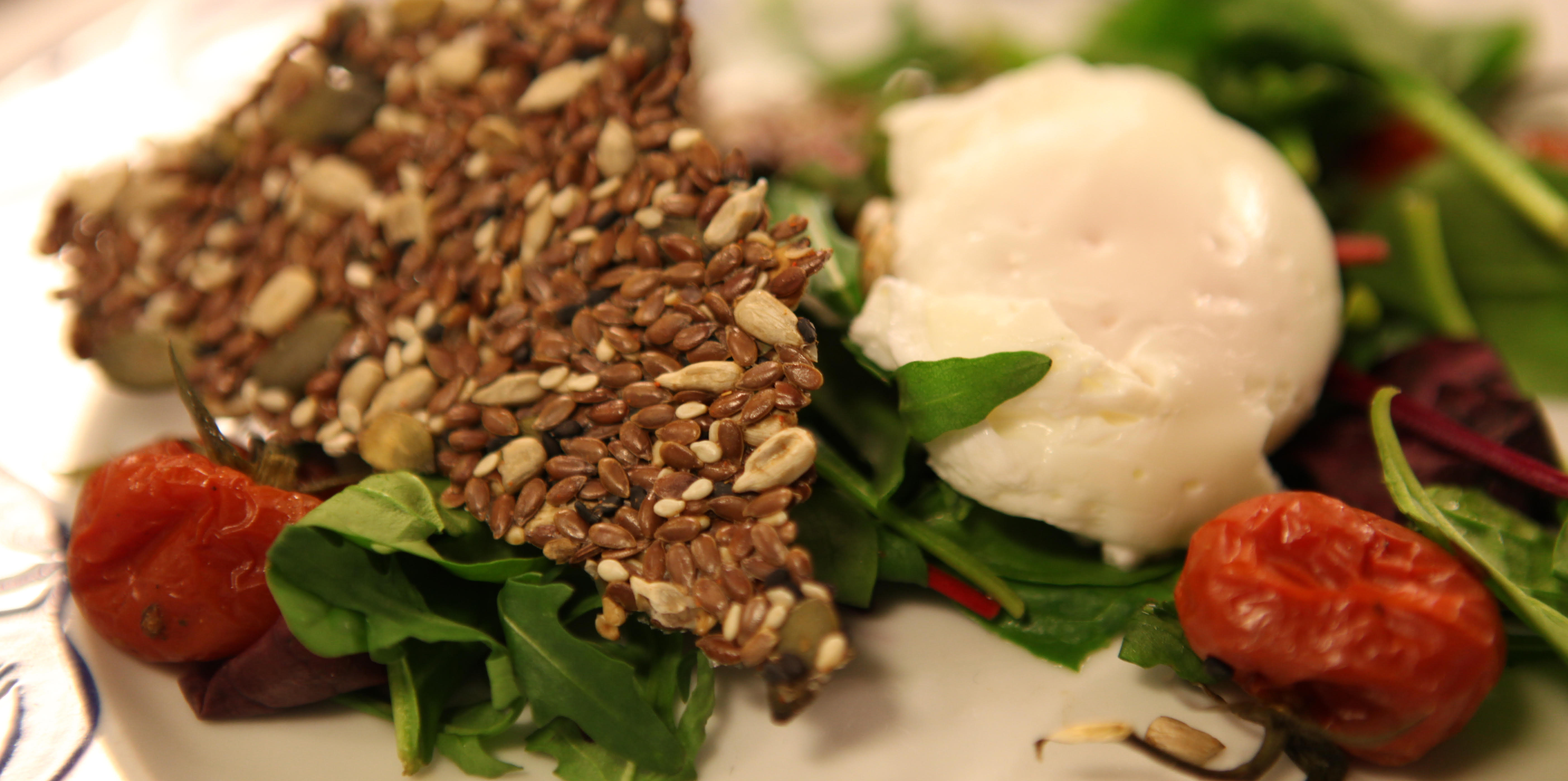 Raw crisp with poached egg